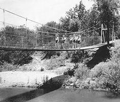 1953 El Tesoro swinging bridge